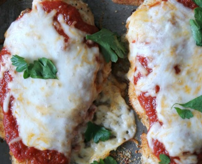 Baked Chicken Parmesan #cleaneating #healthy