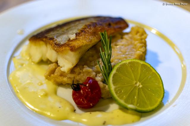 Restaurante Le Pradinas, pescado, Anduze - Francia, por El Guisante Verde Project