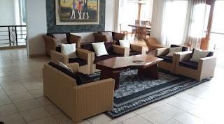 Tempat santai yang nyaman di villa flojo
