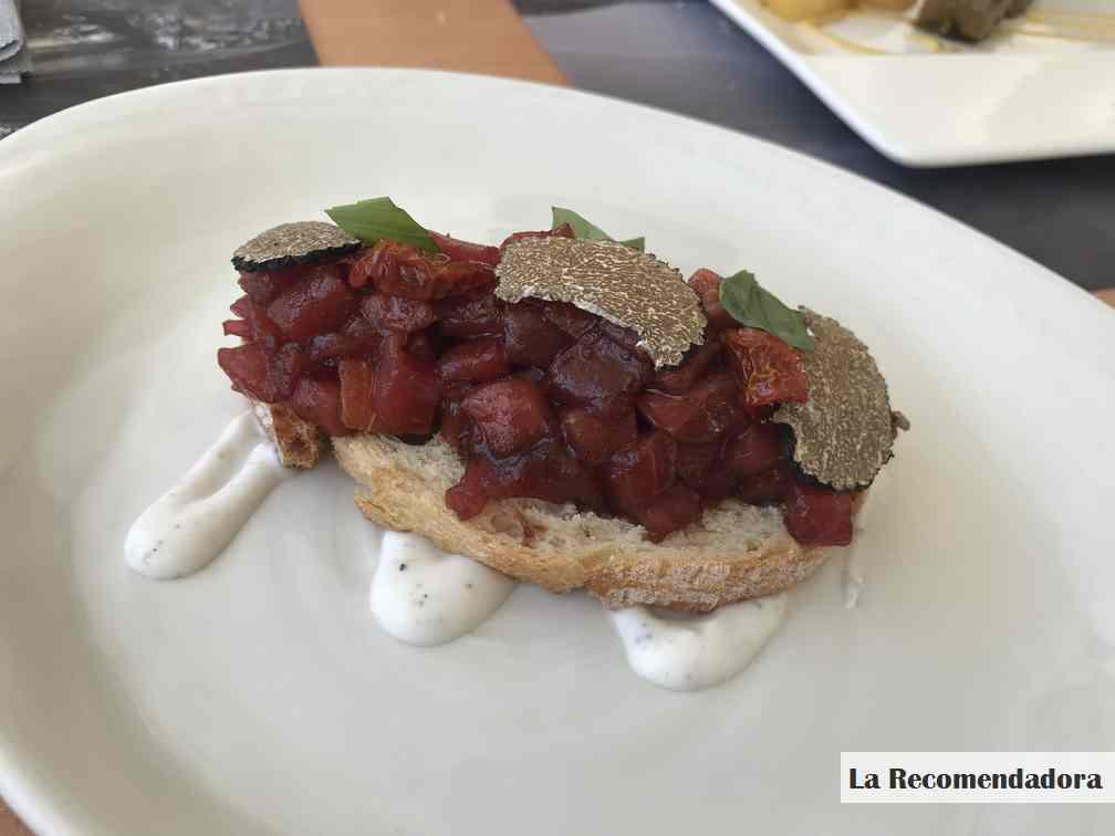 Tosta de atún y trufa. Restaurante el Campero de Barbate.  Precio: 10,50€