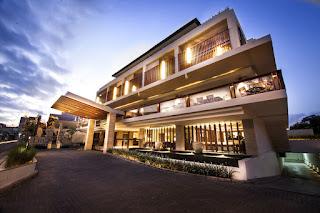 Hotel Career - E-Commerce Executive, Waitress at The Magani Hotel and Spa