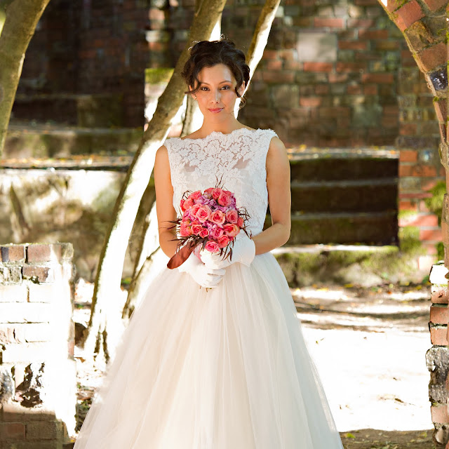 White Wedding Dress On Rent: Thepapersack