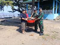 Pekat IB Sungai Beremas Dan TNI AL, Komitmen Ajak masyarakat Jaga Kebersihan Dan Membagikan Tong Sampah di Beberapa Titik