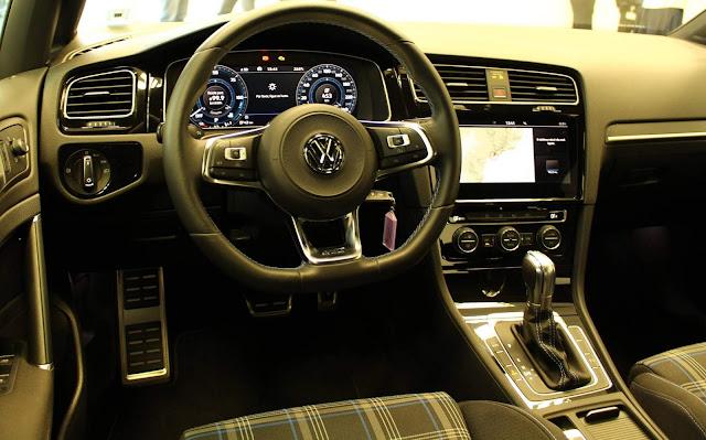 VW Golf GTE (híbrido) - no Brasil - interior - painel