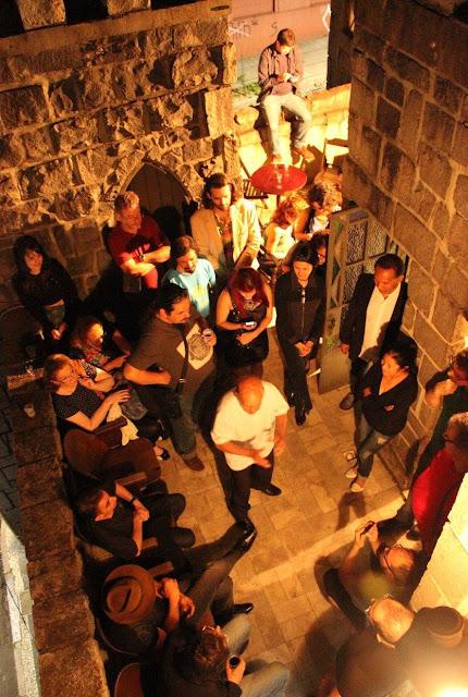 poetas dizendo poesia no Castelo