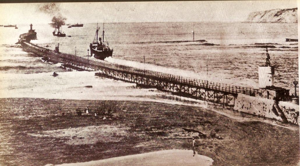 Otra vista del muelle de hierro y parte de la playa de Portugalete. Último cuarto de siglo XIX.