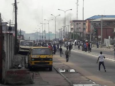 Crisis in Idi Oro, Mushin As Rival Gangs Cause Mayhem – See Photos