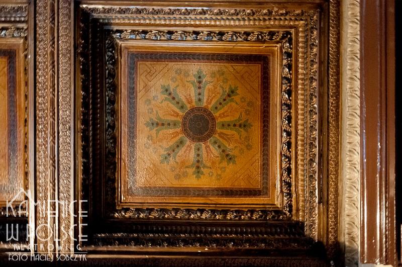 Świdnica. Kamienica. Architektura. Historyzm. Wnętrze. Sufit. Kaseton. Malowidło.