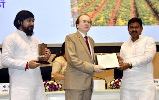 केन्द्रीय गृह राज्यमंत्री ने धर्मेन्द्र को किया सम्मानित    #NayaSaberaNetwork