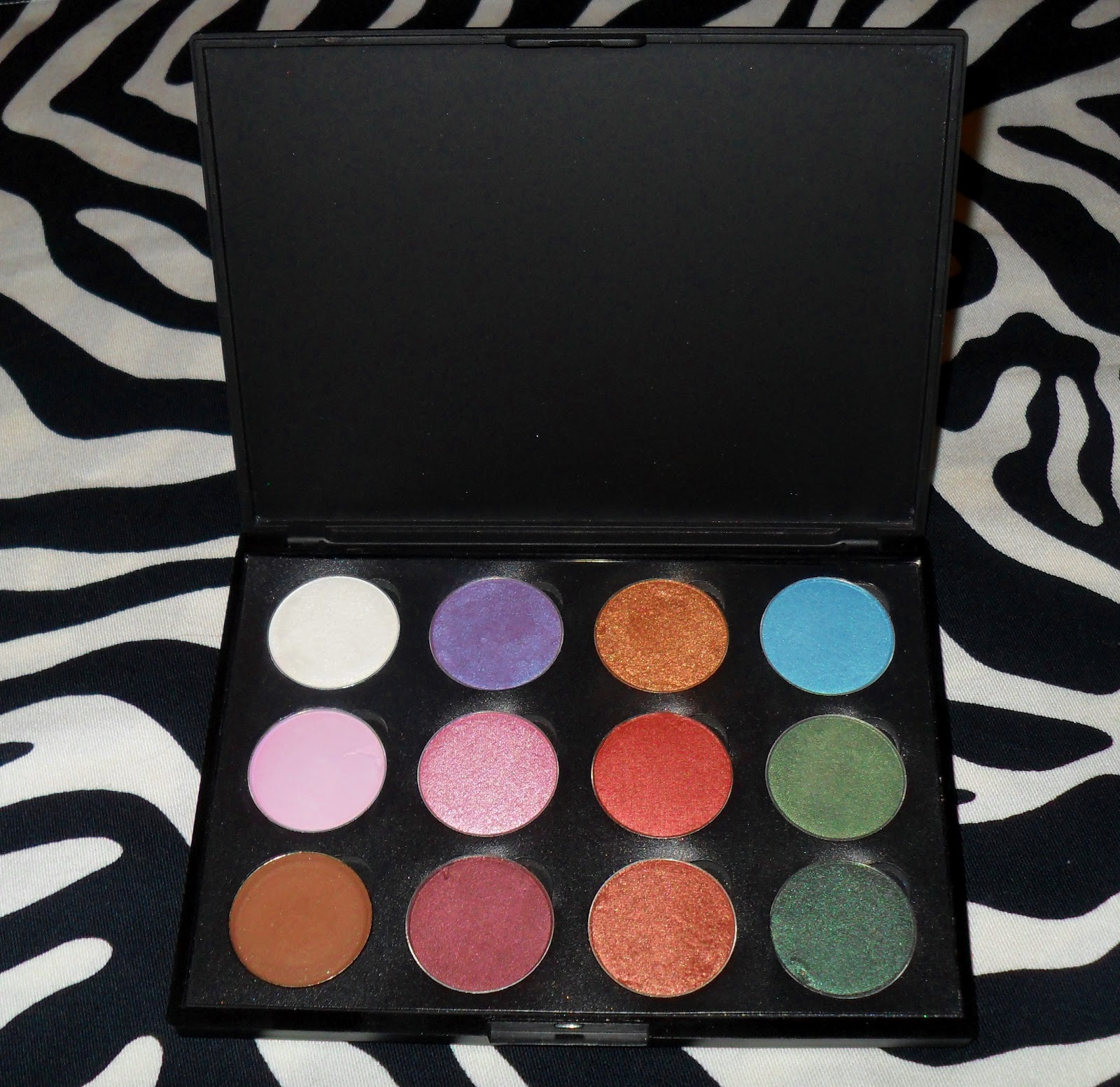 47bef3eba585 HOW TO DEPOT EYESHADOWS - Depotted Lancome Color Design 12 Eyeshadow  Palette +SWATCHES!