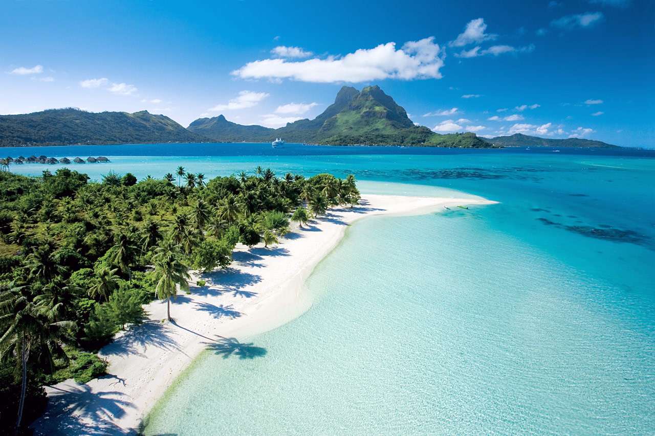 Luxury Life Design: The Five Most Luxurious Beaches In The