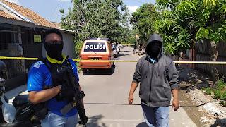 Densus Geledah Rumah Terduga Teroris Di Taman Kalijaga Permai Kota Cirebon