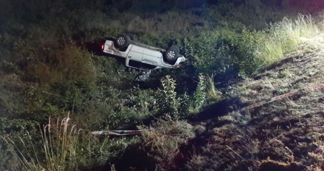Un muerto y un herido en volcamiento en Río Bueno