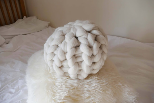 knitwithome review, knitwithome etsy, knitwithome reviews, knitwithome pillow, merino wool knitted pillow, knitted chunky pillow uk