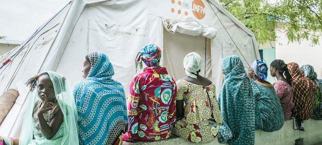 Los servicios de salud reproductiva se interrumpieron a causa de la pandemia dejando a doce millones de mujeres sin acceso a la planificación familiar.© UNFPA/Ollivier Girard