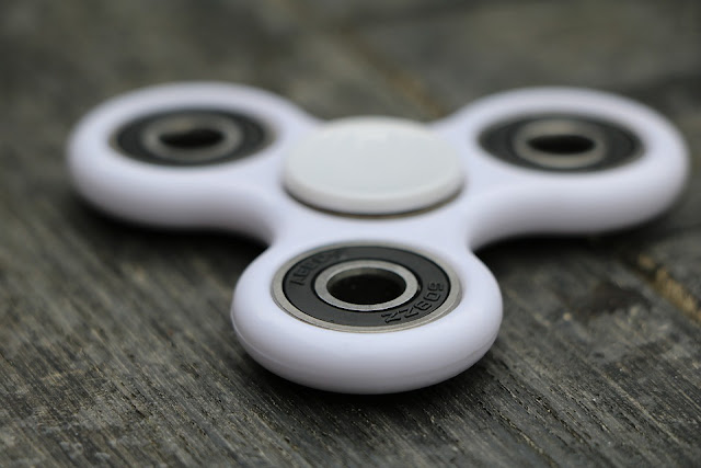 Fakta Mengenai Fidget Spinner Yang Harus Anda Ketahui