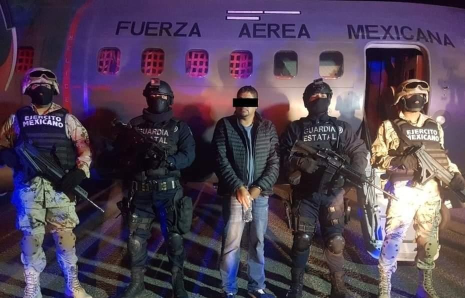 """El detenido en Baja California es Fabián Lara Belman alias """"La Vieja"""" uno de los fundadores del Cartel de Santa Rosa de Lima y mano derecha de """"El Marro"""""""
