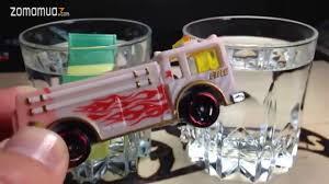 xe Hotwheels đổi màu