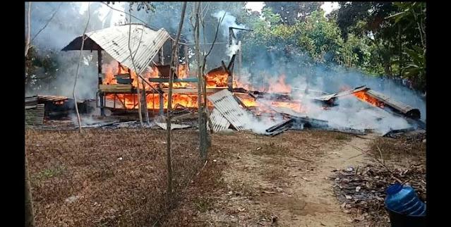 Balai Pengajian Gampong Kuta Trieng Meureudu Pidie Jaya  Terbakar