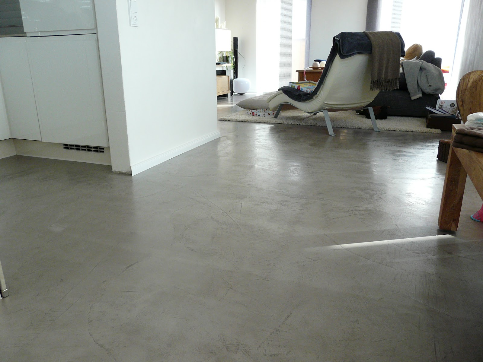 wand wohndesign beton cire beton floor bodenbeschichtung in betonoptik. Black Bedroom Furniture Sets. Home Design Ideas