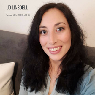 Photo of Author Jo Linsdell 2018