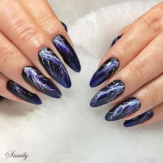 https://snaily-nails.blogspot.com/2018/04/burzowo.html