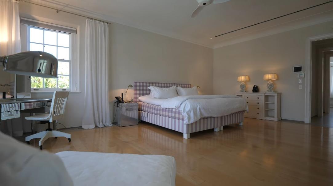 51 Interior Design Photos vs. 319 N Atlantic Dr, Lantana, FL Luxury Mansion Tour