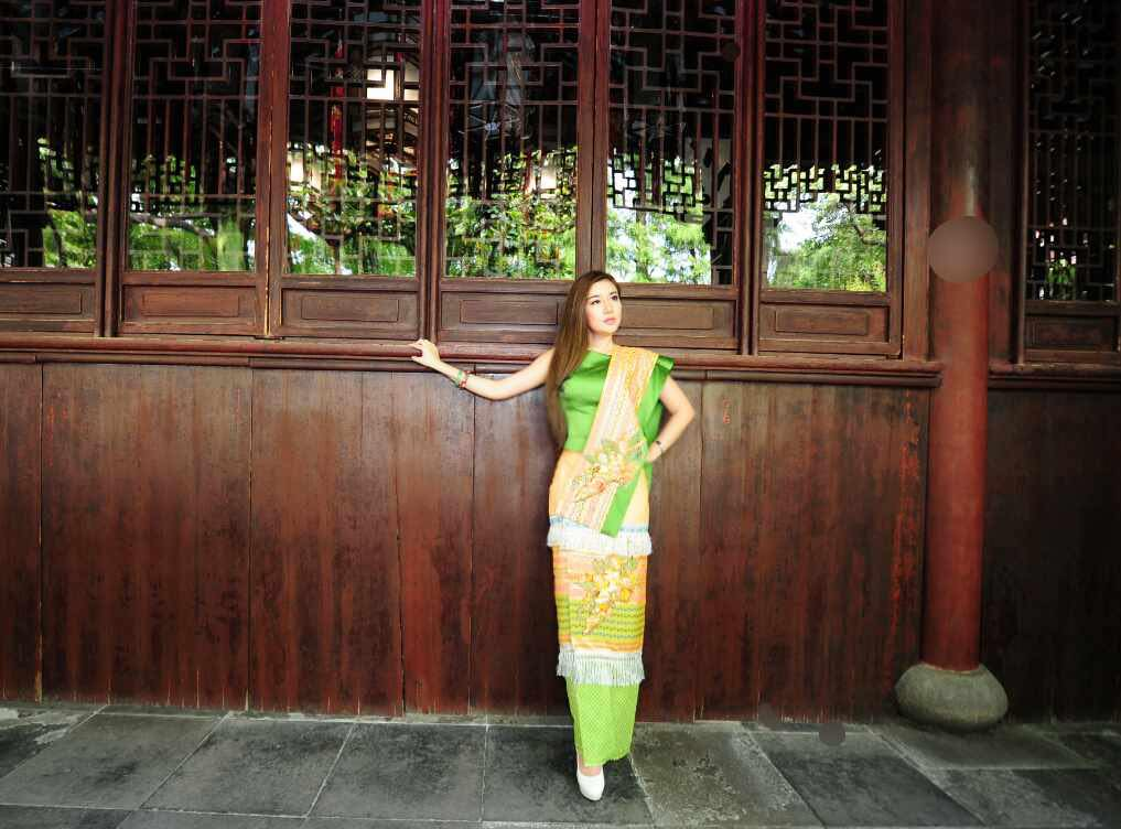 Nan Su Yati Soe Wears Myanmar Dress In Xintiandi , China