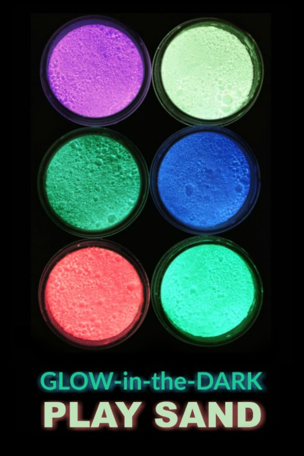 DIY GLOW-IN-THE-DARK PLAY SAND FOR KIDS.  This is so cool!  #glowinthedark #glowinthedarkcrafts #homemadesand #playrecipe