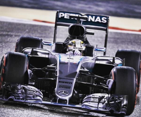 Lewis Hamilton se quedó con la pole position en Baréin