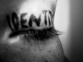 Pengertian Self Identity dan Aspek-aspek Identitas Diri Menurut Para Ahli