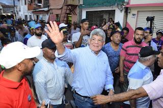 Fernando Rosa asegura el 6 de octubre se convertirá en nuevo alcalde de Santiago; dice no tiene oposición política