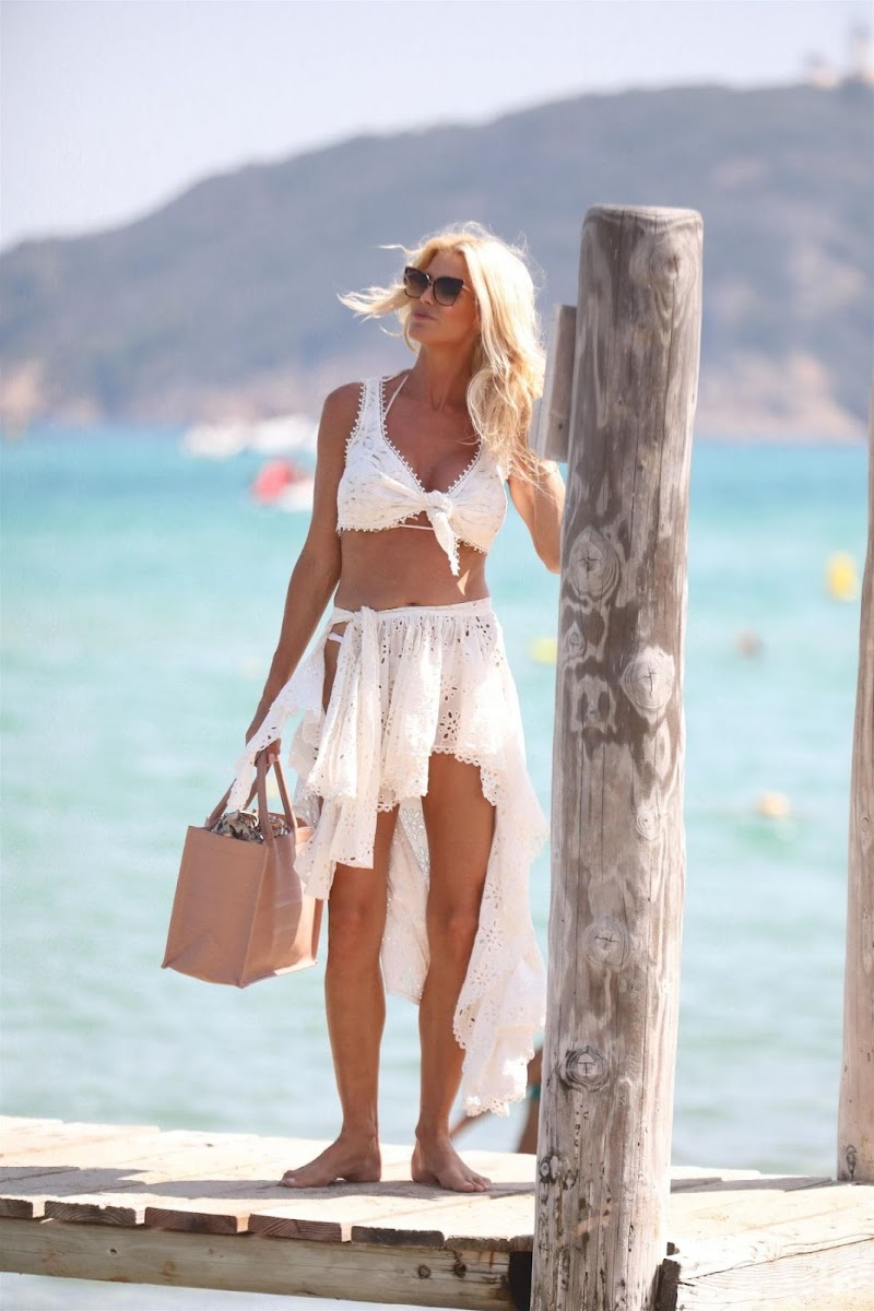 Victoria Silvstedt Clicked Outside in Saint-tropez 1 Aug -2020