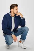 geaca-toamna-barbati-tommy-jeans-11