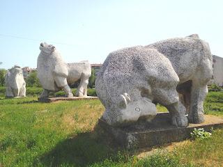Statue, Bulls, Yambol, Basking, Sun,