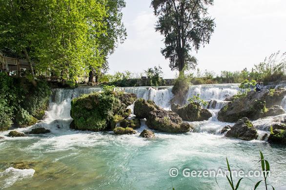 Tarsus'un hemen yanındaki Tarsus Şelalesi bir doğa harikası, Mersin