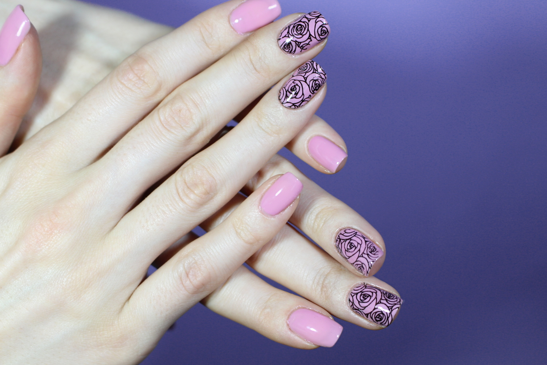 pink and black rose pattern manicure liz breygel janaury girl beauty blogueira de moda e beleza blogger