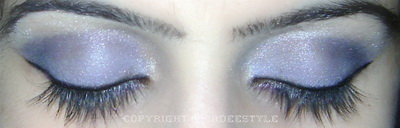 Blue smokey eye look