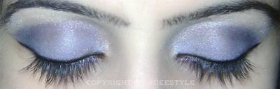 Blue smokey eye look
