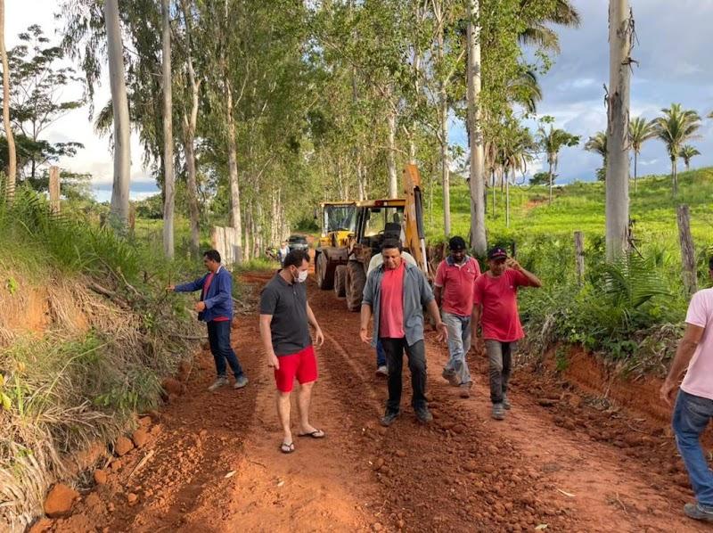Prefeitura de Trizidela do Vale realiza melhorias na estrada de acesso do povoado São Pedro.