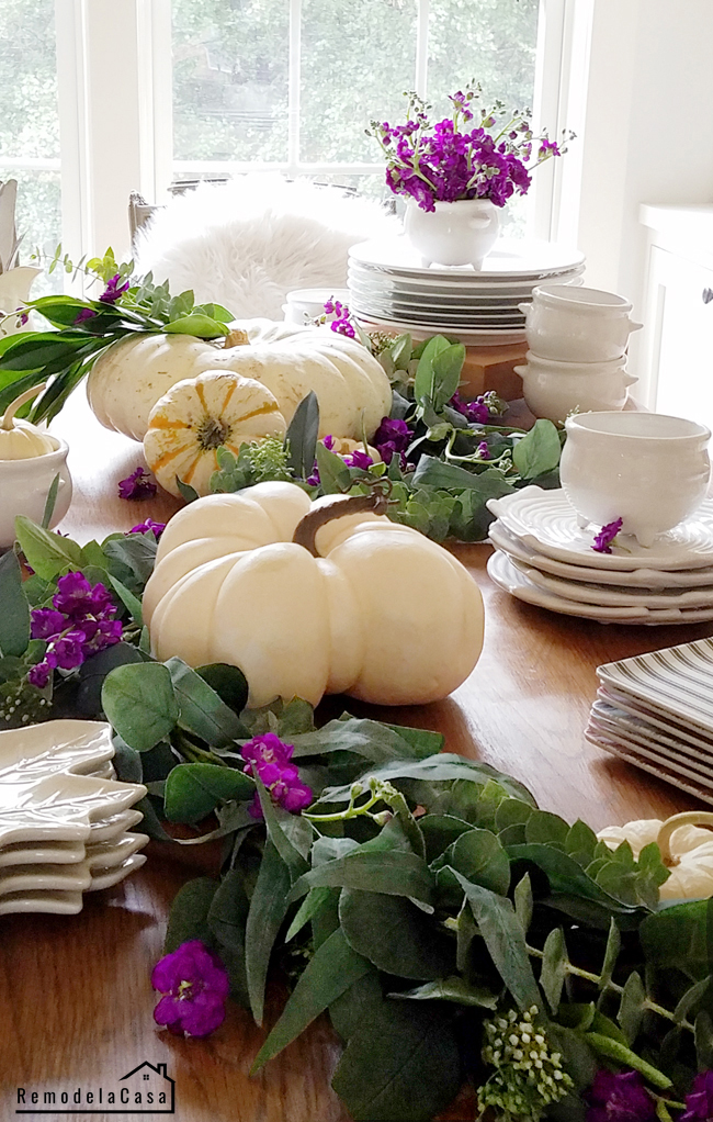 Earthy tablescape for Fall