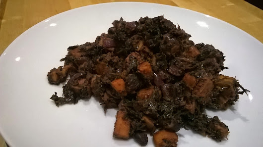 Everything Goes With Toast: Sweet potato, black bean and kale chilli‏