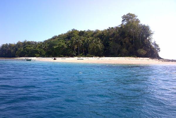 Pulau Momosing