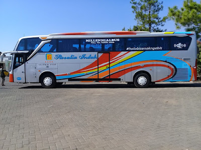 Foto Bus Rosalia Indah Super Top