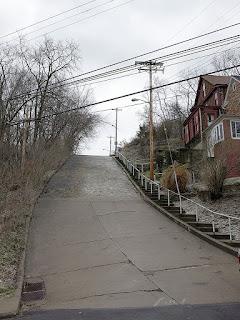 https://en.wikipedia.org/wiki/Canton_Avenue#/media/File:CantonAve_Bottom.jpg