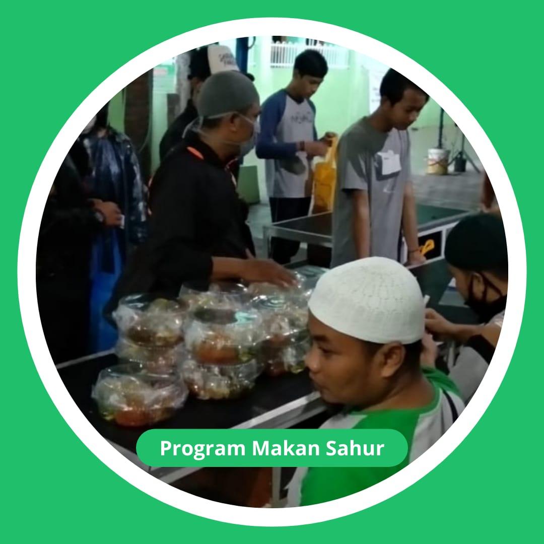 Lazis Masjid Sadar Berbagai Makan Sahur