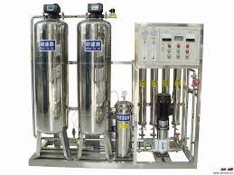 جهاز معالجة الماء من الاملاح المنحلة بالتناضح العكسي