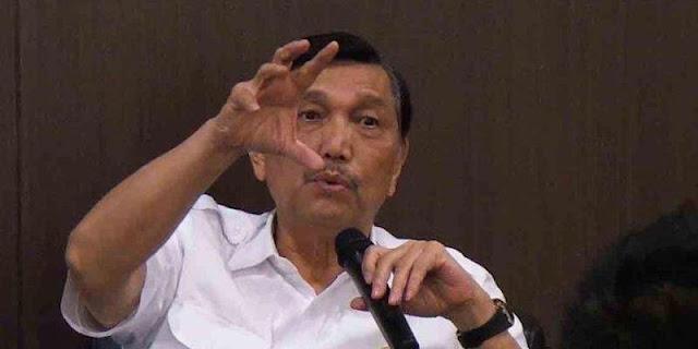 Sebaran Covid-19 Terus Meroket, Jokowi Harus Segera Pecat Luhut