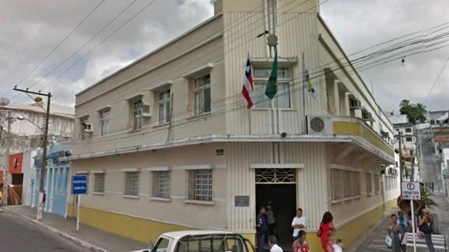 Ao menos oito pré-candidatos pretendem disputar a prefeitura de Jacobina, no Piemonte da Chapada Diamantina, Centro-Norte da Bahia. O prefeito Luciano Pinheiro (DEM), conhecido como Luciano da Locar, já confirmou que tentará permanecer no Executivo Municipal da Cidade do Ouro.