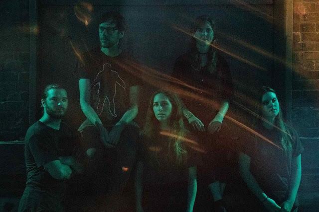 """Le quintet canadien BisonBison sort """"Recover"""" un premier single avant un premier album """"Hover"""""""